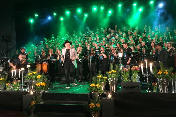 Over 100 sangere påmeldt til prosjektkoret sammen med Samuel Ljungblahd, Ruth Waldron av David Daniel!